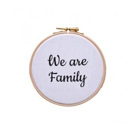 cadre tambour mural we are family blanc et noir