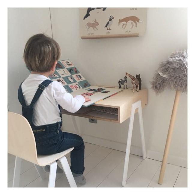 bureau design enfant. Black Bedroom Furniture Sets. Home Design Ideas