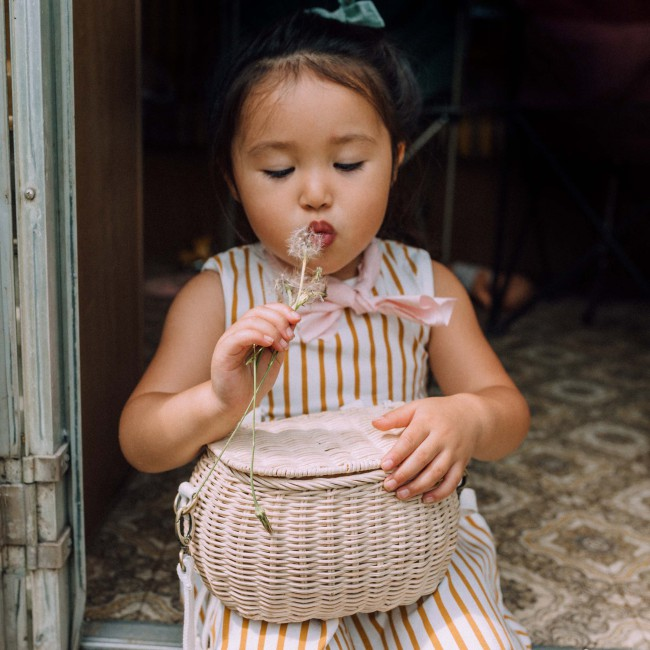 Panier en rotin enfant Mini Chari paille - Olli Ella