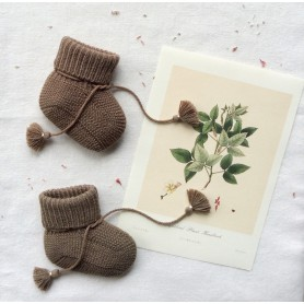 Chausson bébé tricoté et pochon brodé - Taupe
