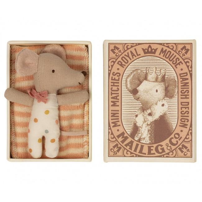 Bébé souris fille dans sa boîte Maileg